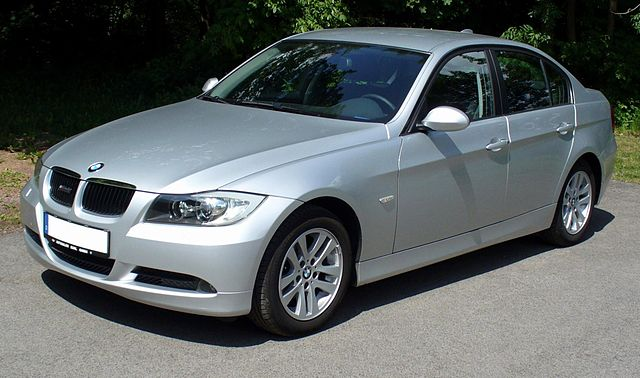 640px-BMW_3er_Limousine07