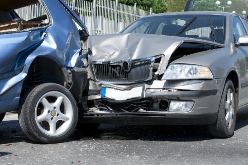 Qué hacer si se sufre un accidente con un coche de alquiler